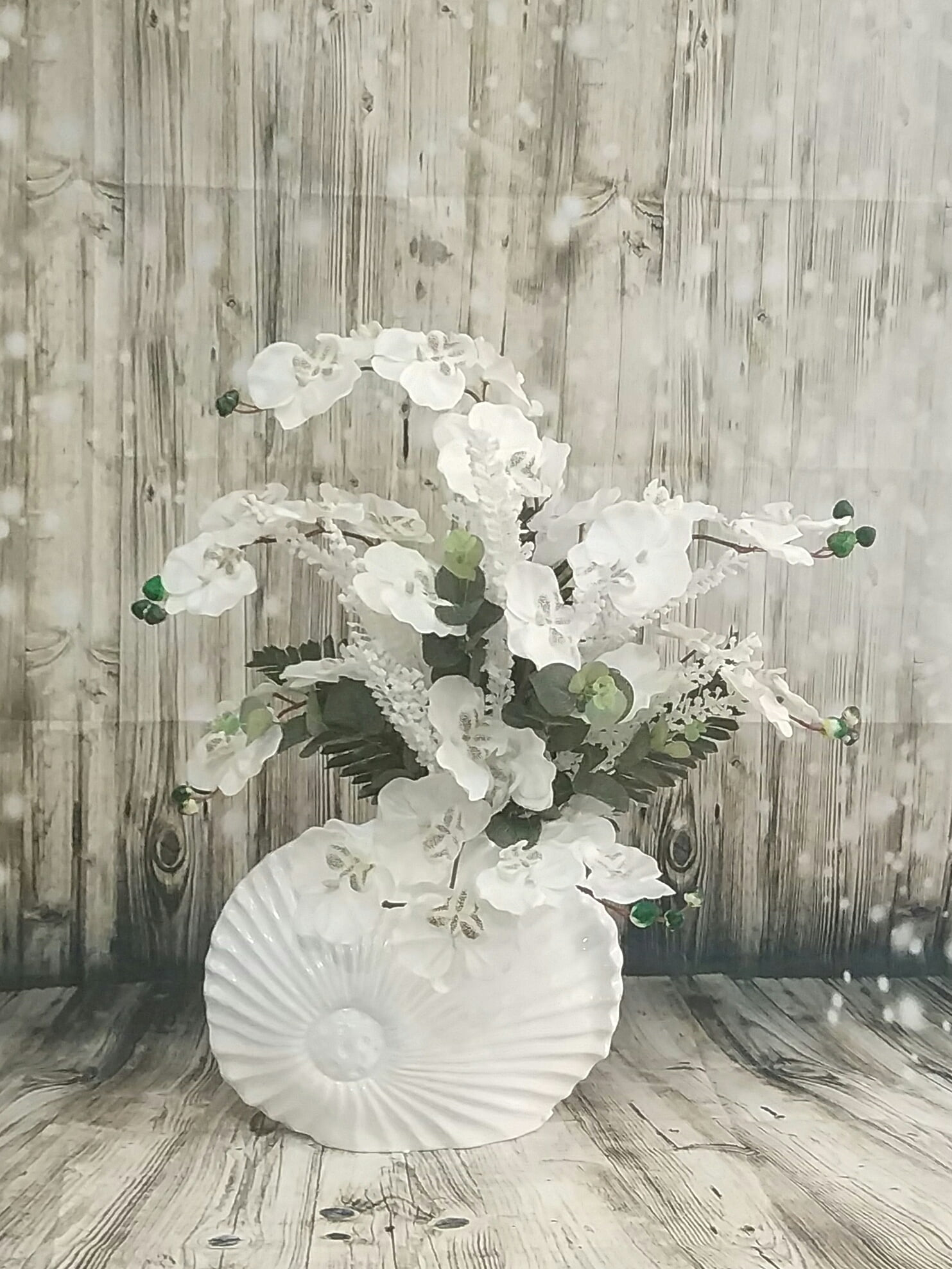 seramik vazoda yapay orkide