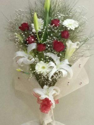 ısparta da 6 gül ve kazabilanka ile hazırlana bukti yiğitbaşı çiçekçilik sevdillerinize ulaştısın