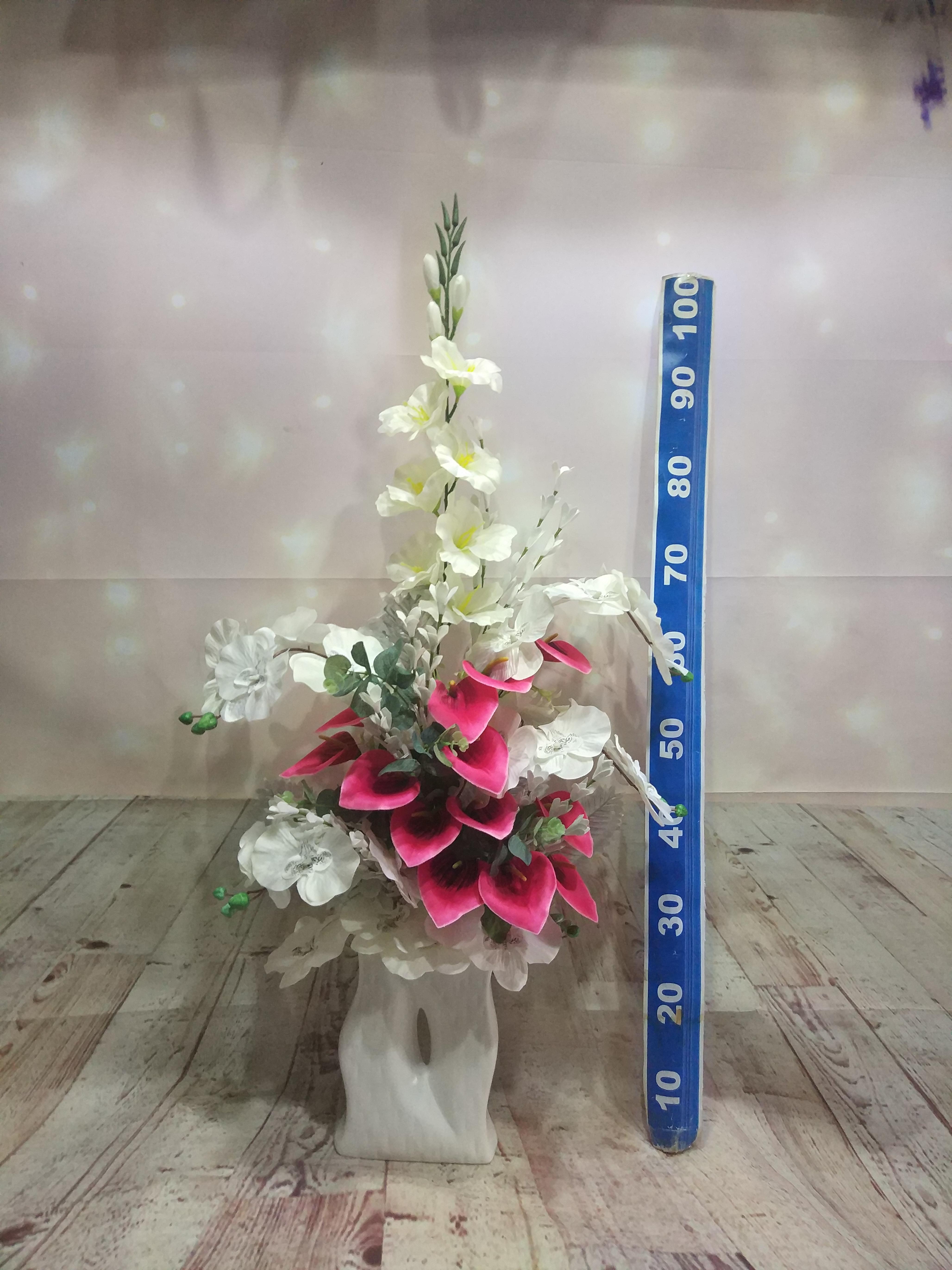 seramik vazoda yapay orkide ,gala ve gleyur aranjmanı