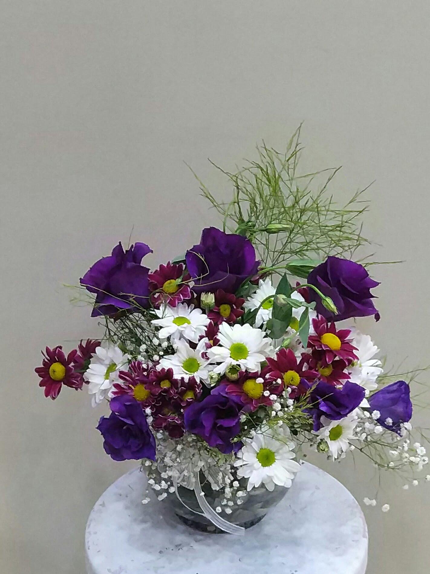cam fanusda mevsim çiçekleri